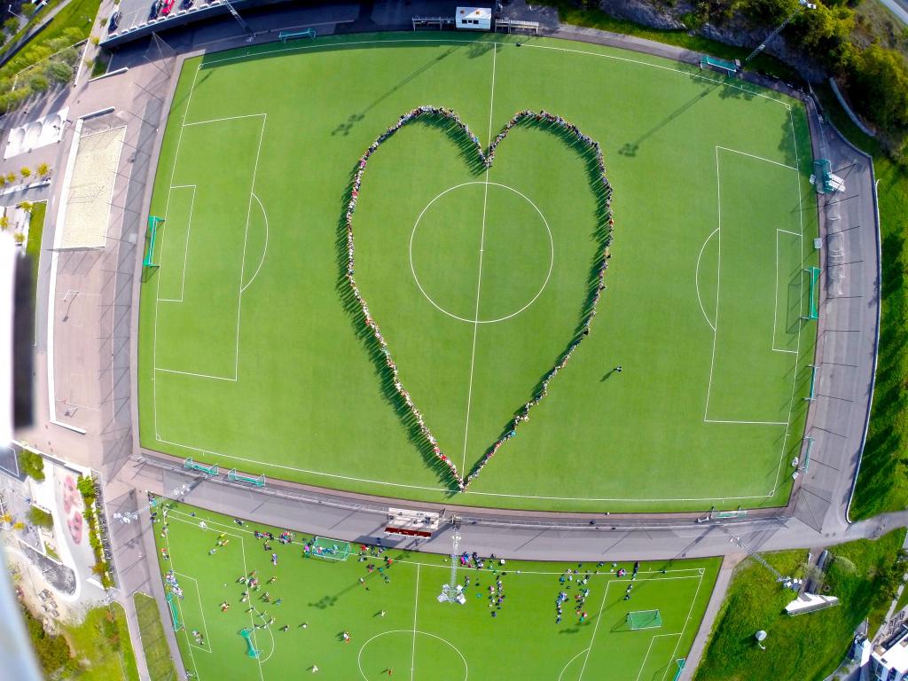 2-hjerte-pa-fotballbanen