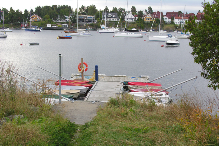 Tomt – Ankerbrygga mot Snarøykilen 1